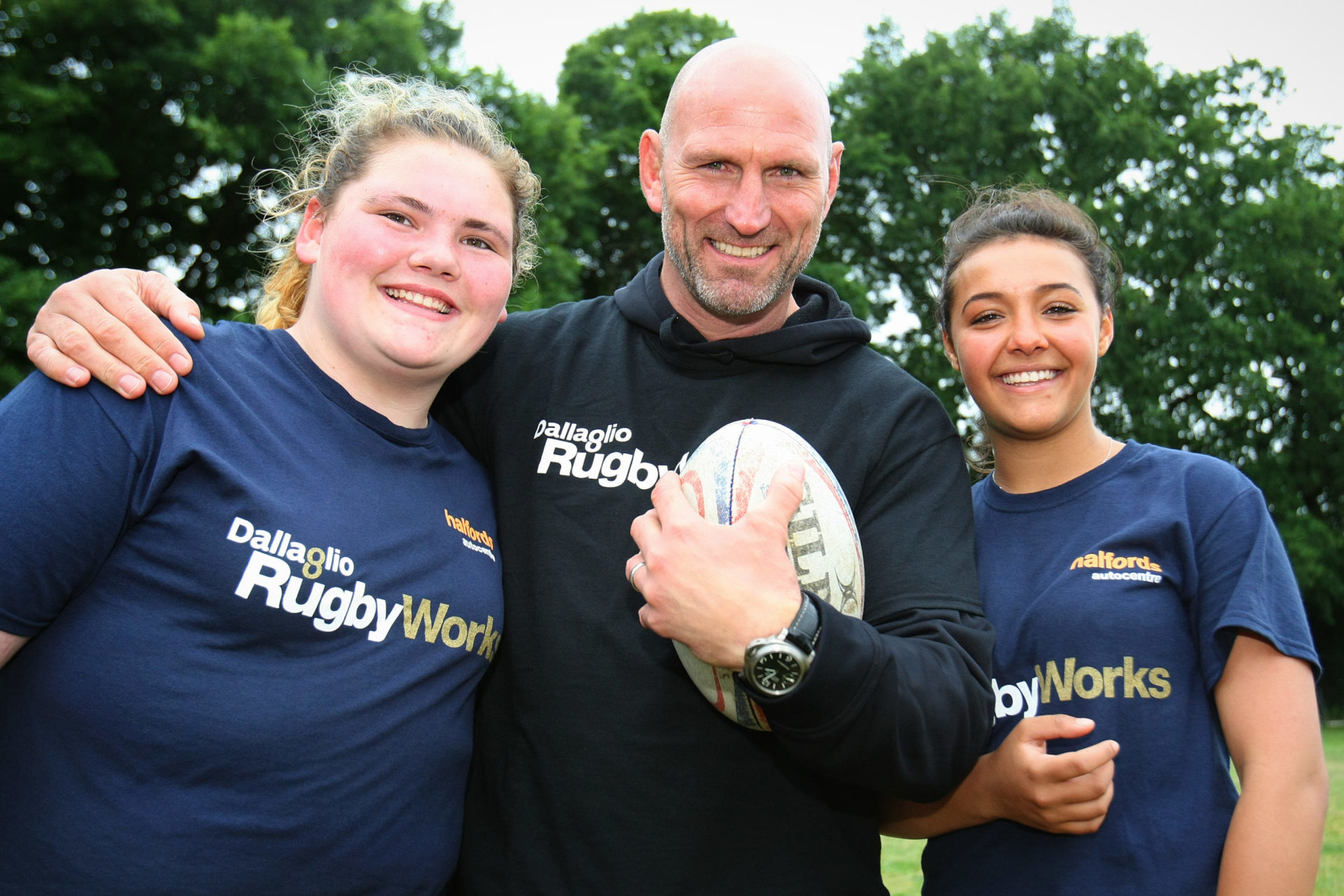 Rugby for rebellious teens, even girls!
