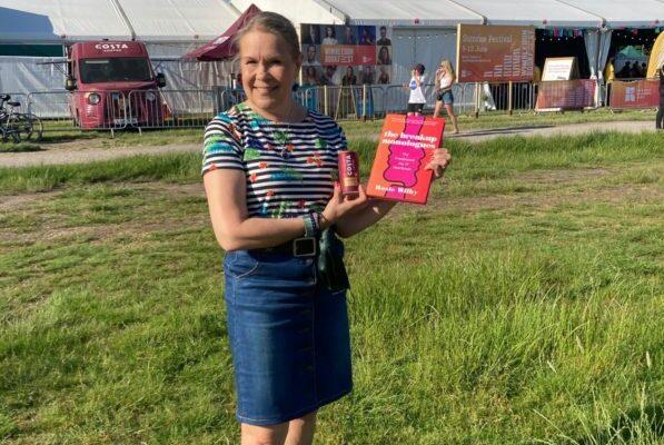 Wimbledon-bookfest-Helena-whitaker-at-Rosie-Wilby-and-Shappi-Khorsandi-conversation