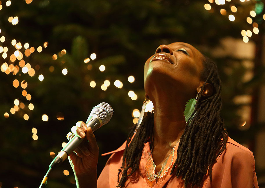 SINGING FOR SANITY  – The Power of Voices and Song with Melissa James