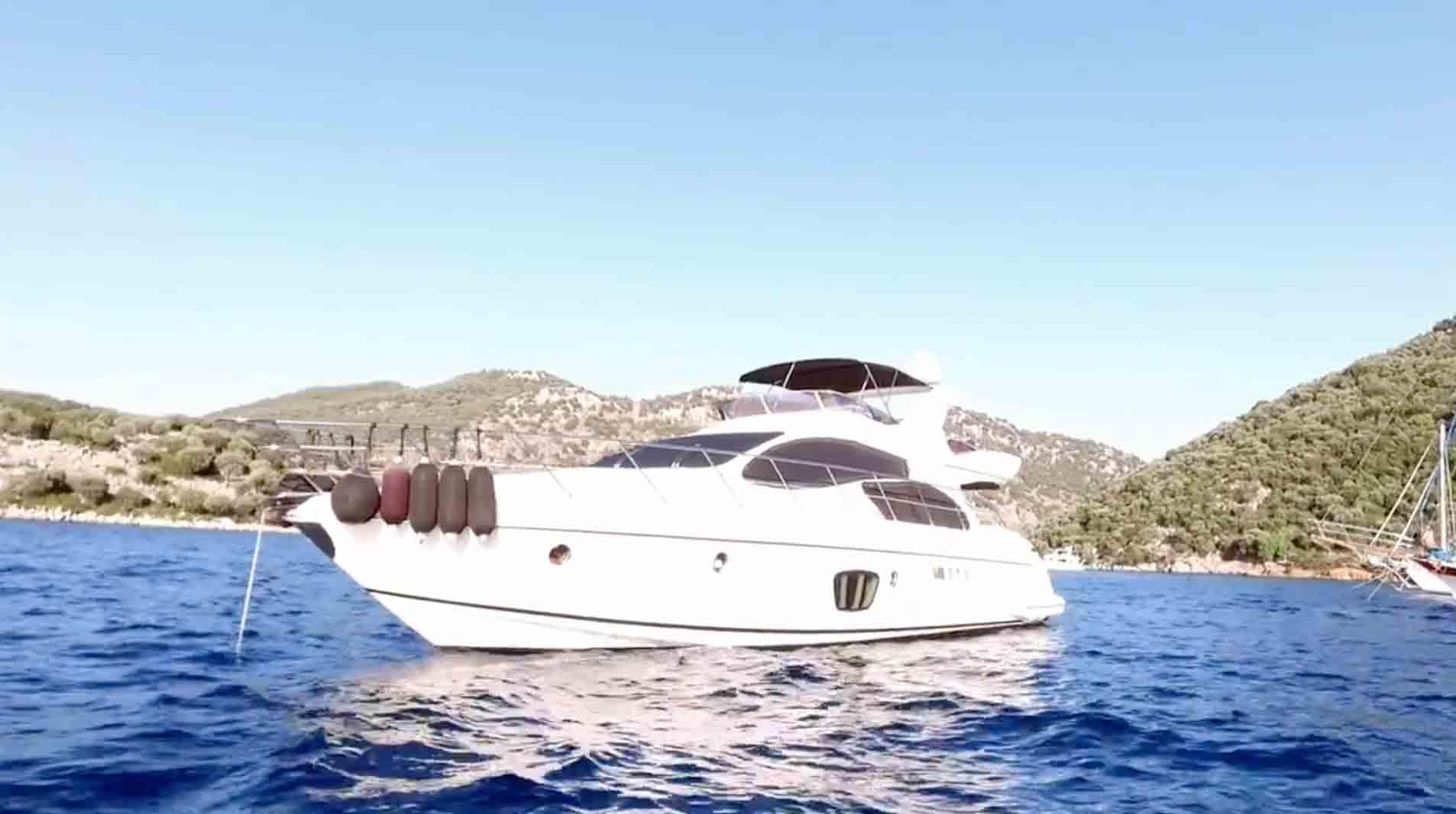 Dream-holiday-on-a-yacht-in-Dalaman-Turkey