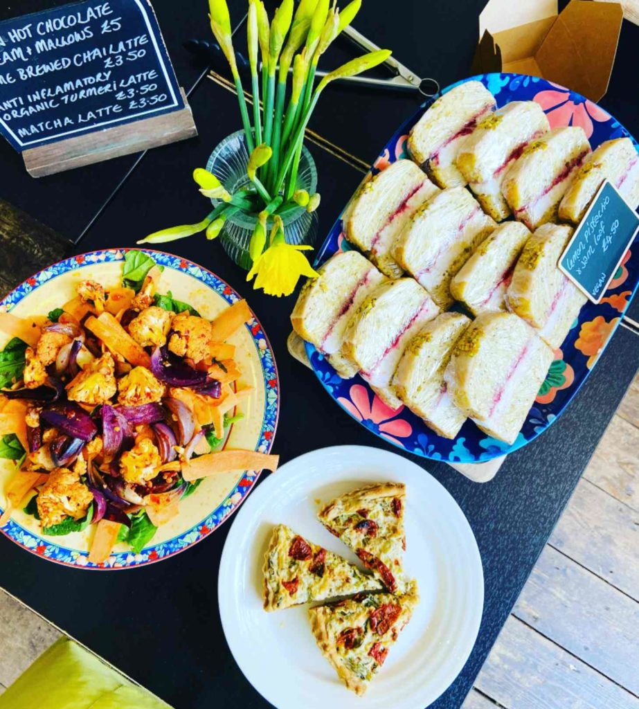 retreat-kitchen-vegan-food