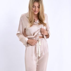 joanies-mulberry-silk-pyjames-at-darling-magazine