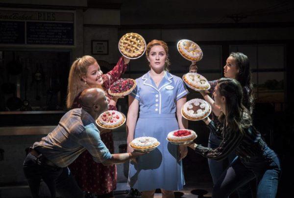 Waitress-at-New-Wimbledon-Theatre